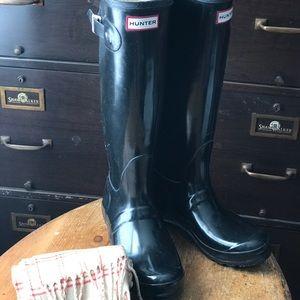 Hunter Tall Black Boots 9-9.5